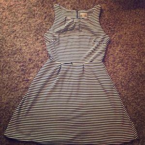 ✌️Fit&Flare Sleeveless Profess. Dress w Belt Loops